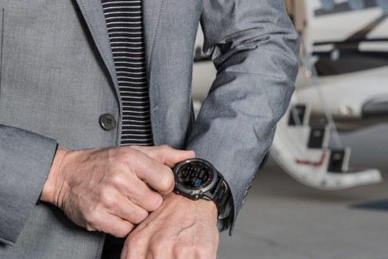 Garmin D2 Bravo Titanium - smart & practical