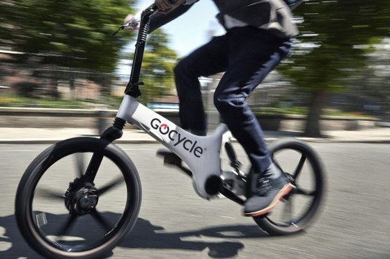 Gocycle G3 on the road